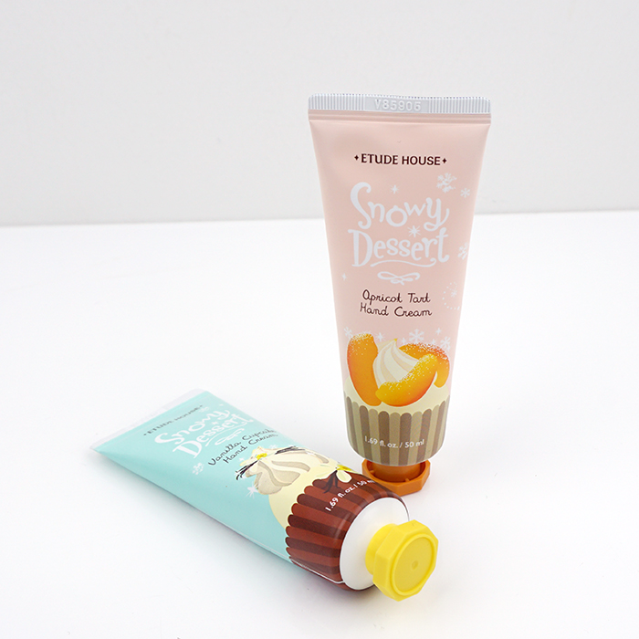 ETUDE HOUSE 2015 Holiday Collection Snowy Dessert Hand Cream review