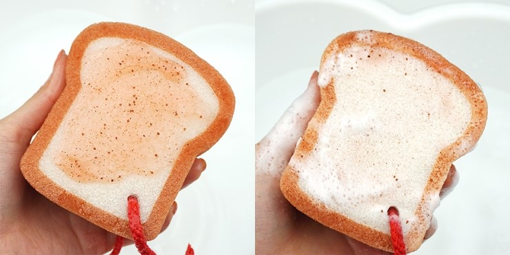 ETUDE HOUSE Berry Delicious Strawberry Bread Shower Sponge review