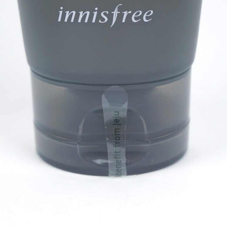 INNISFREE Blackberry Energizing Cleanser & Shave For Men review
