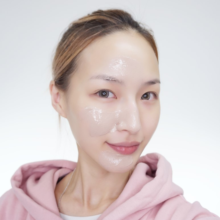 INNISFREE Jeju Volcanic Melting Clay Mask review