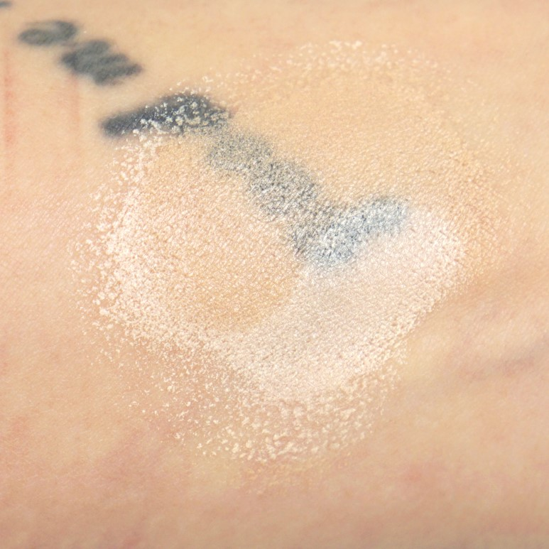 Keep In Touch White Blending Base Cushion review