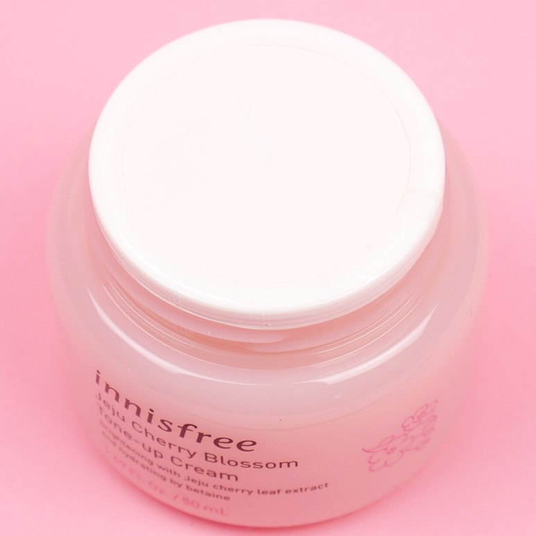 innisfree Jeju Cherry Blossom Tone Up Cream review